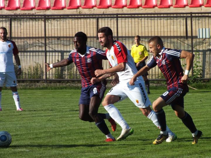 Емануел Мбела посакува триумф против својот поранешен клуб Шкупи