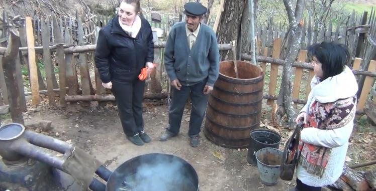 Форумот на жени на СПМ го посети дедо Марко од Каврак (ВИДЕО)