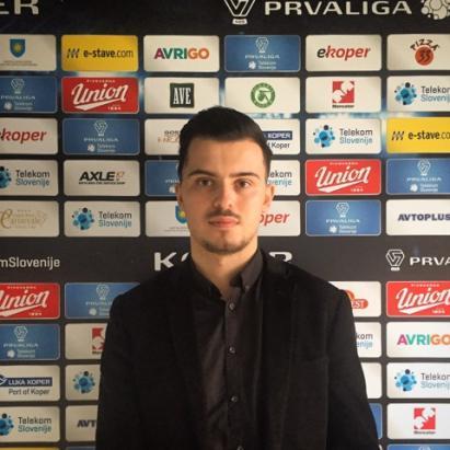 Голманот Кристијан Стоилков заплива во фудбалските менаџерски води